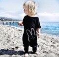 Moda 2017 de Los Bebés Del Mameluco Del Mono de Las Muchachas Niños Ropa de Bebé Traje de Manga Corta de Ropa de Bebé Recién Nacido de Dibujos Animados Negro