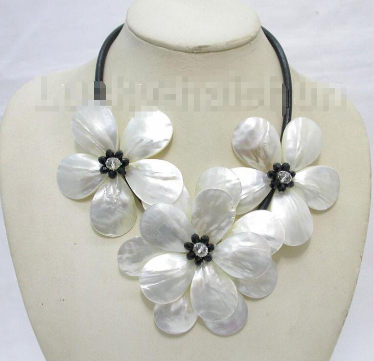 Livraison gratuite vente chaude femmes de mariée bijoux de mariage > > artisanat 3 pcs floraison blanche noir seashell perles choker collier en cuir
