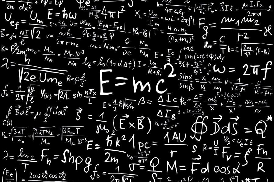 Математический постер на белом фоне
