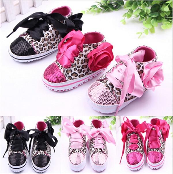 """2015 m. """"New Leopard Baby Shoes"""" kūdikių kūdikių dideli gėlių bateliai Pirmasis vaikštynė vaikams """"Baby Bling"""" sportiniai bateliai"""