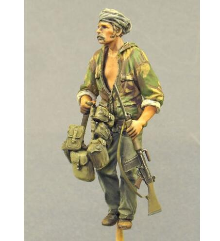 US $9 79 |1/35 British SAS Crew Member soldier modern toy Resin Model  Miniature Kit unassembly Unpainted-in Model Building Kits from Toys &  Hobbies on