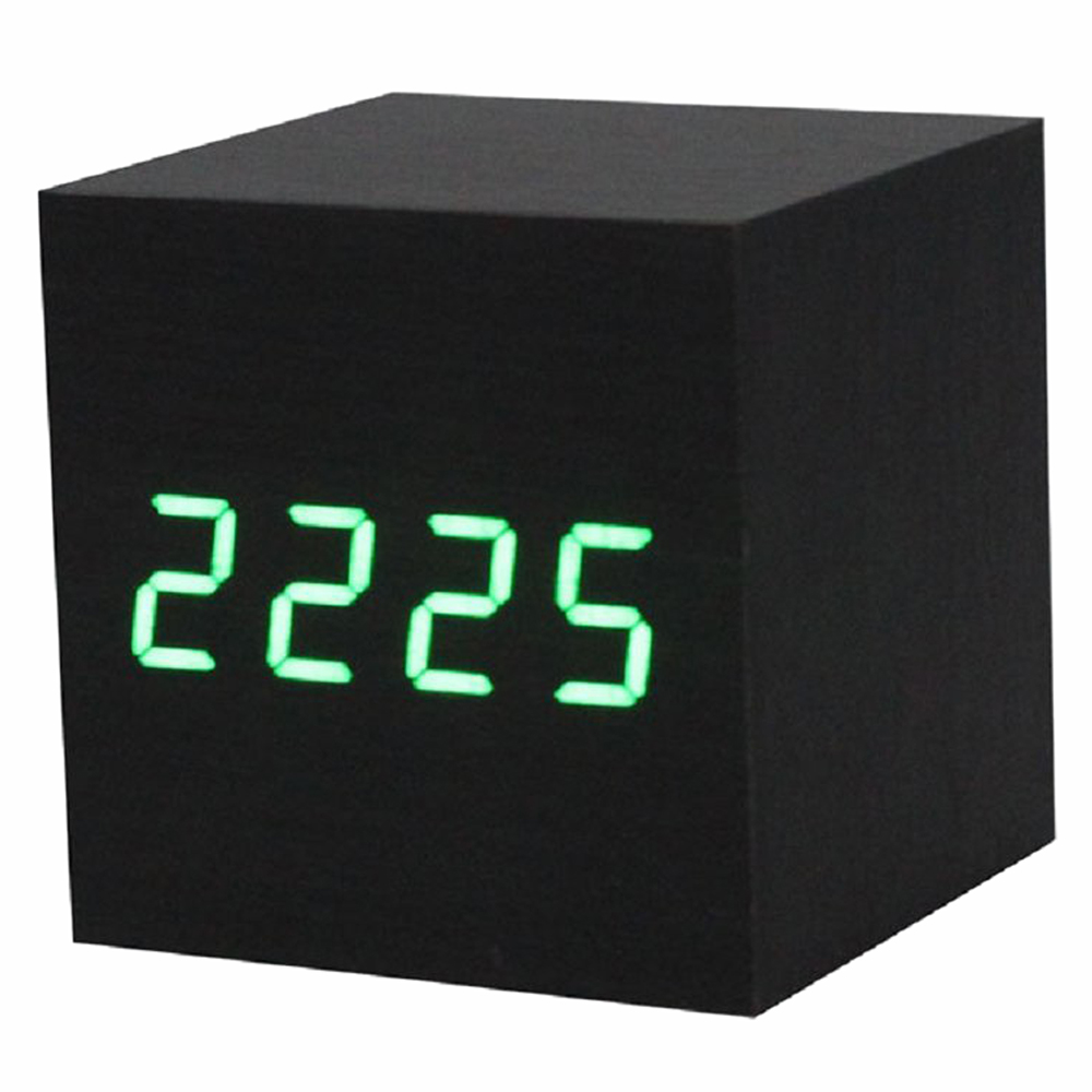 Best Alarm clock / digital clock Wooden table with a USB port, works with AAA batteries Black / green