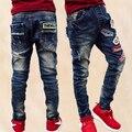 Новый 2017 Весной ребенок брюки версия тонкий эластичный мальчик джинсы, брюки