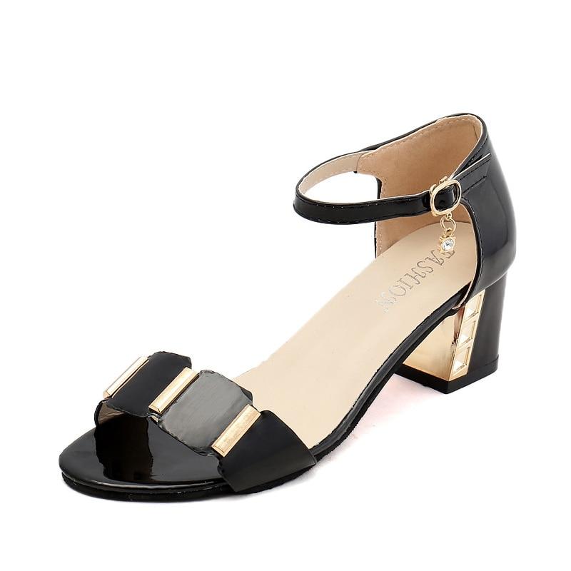 Fashion Shoes Woman Plus Size Bohemia Summer Casual Peep Toe Women's Sandals Rhinestone Square Heel Beach Sandals