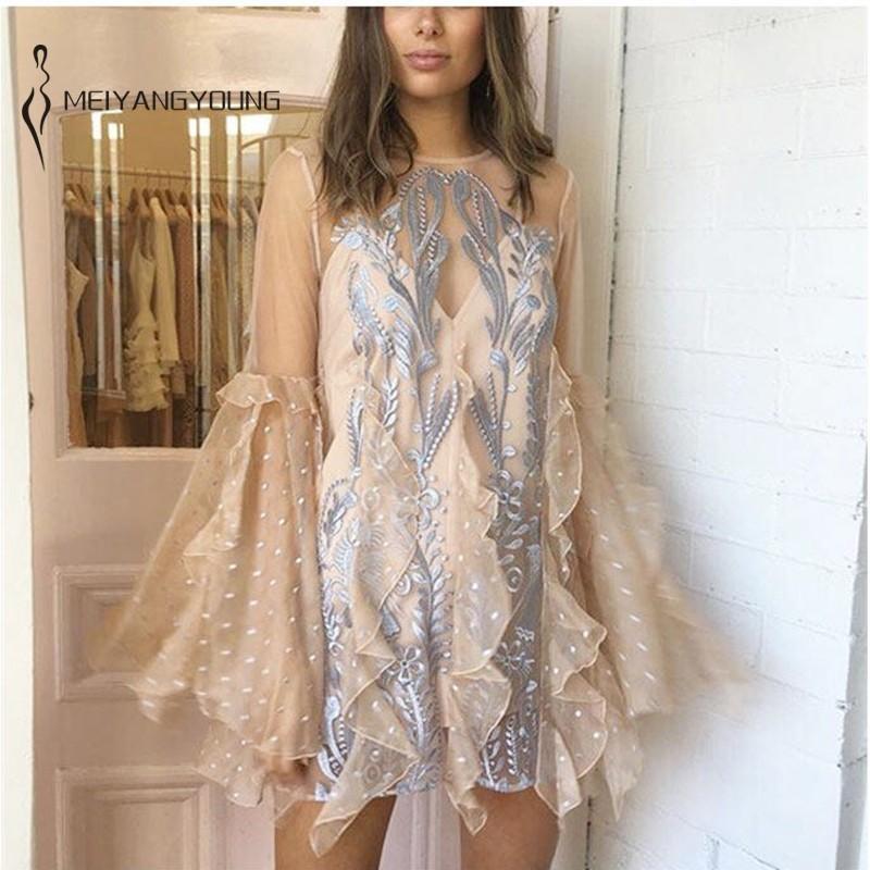 Haft w stylu Vintage strona suknie Boho kwiatowy koronki Mesh Mini sukienka 2 sztuk przezroczyste sukienki dla kobiet Sexy jesień Vestido w Suknie od Odzież damska na  Grupa 2