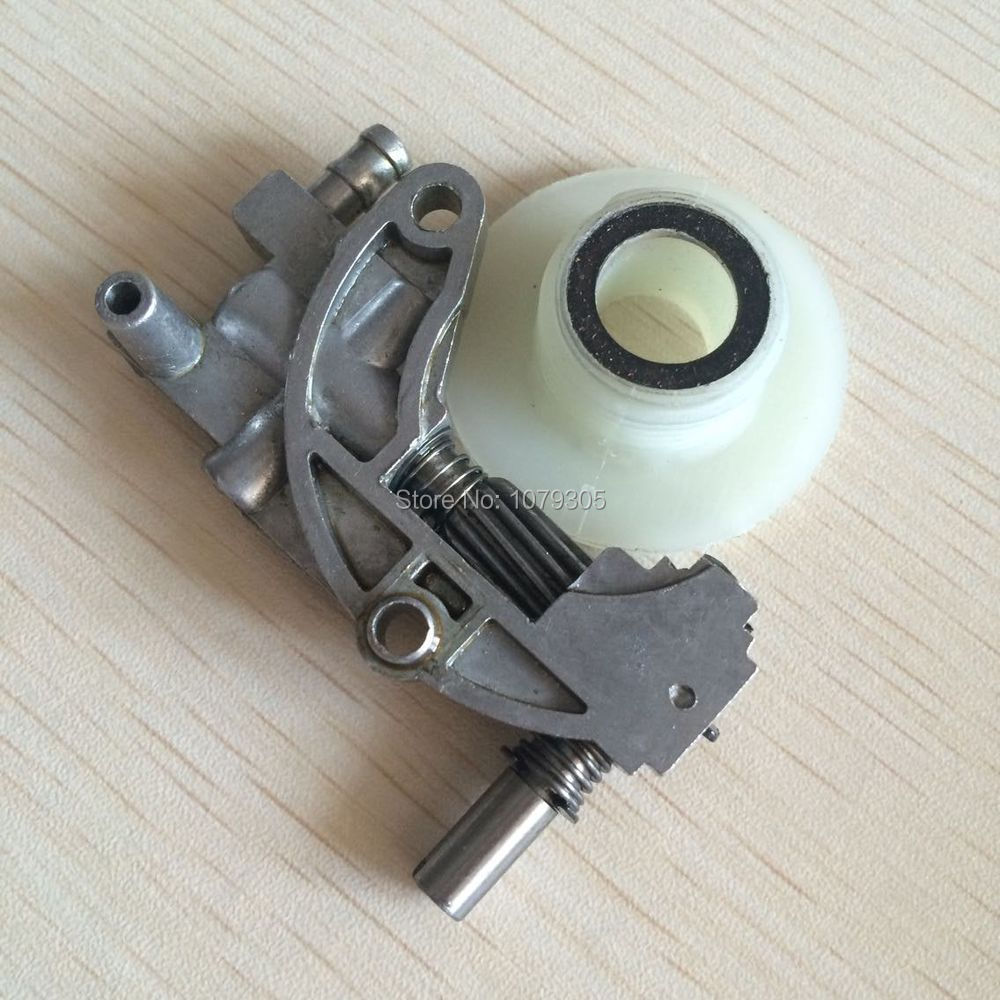 Chainsaw Oil Pump With Gear Worm Set For Chainsaw 4500 5200 5800 45CC 52CC 58CC Chain Saw Parts Garden Tool Parts