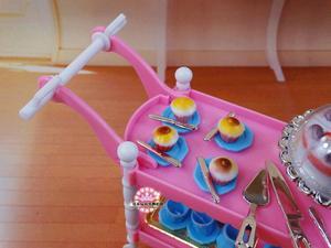 Image 4 - 무료 배송 소녀 놀이 세트 핑크 케이크 자동차 티 타임 1/6 인형 액세서리 인형 가구 바비 인형