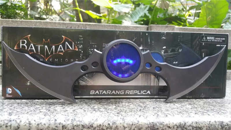 40 เซนติเมตร Led Light NECA Superman Batman Arkham Knight Batarang Replica ลูกดอก Action Figure ของเล่น
