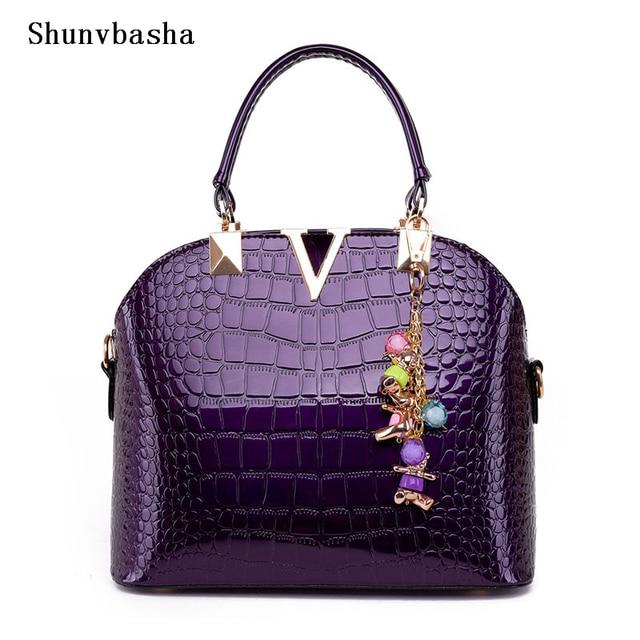 Women's Rushed Alligator Handbag 2017 Autumn & Winter New Pattern Pendant V-shaped Shell Crossbody Women Shoulder Messenger Bags
