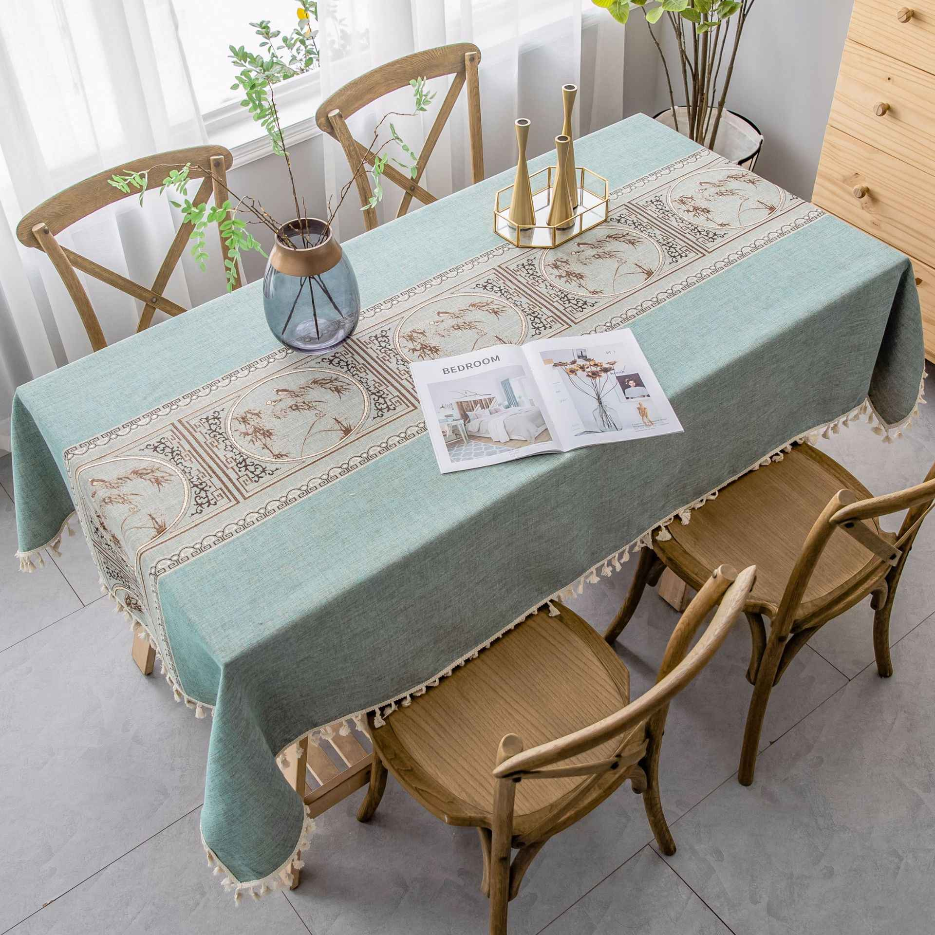 Luxury Rectangle Tablecloth Upscale Embroidered Relief Painting Pattern Table cloth Pendant Tassel Christmas Decor Table Cover