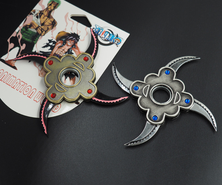 One piece sauron folding rotating shuriken, Bearing rotating darts, Anime weapon model toys, toy knife, gifts for children.