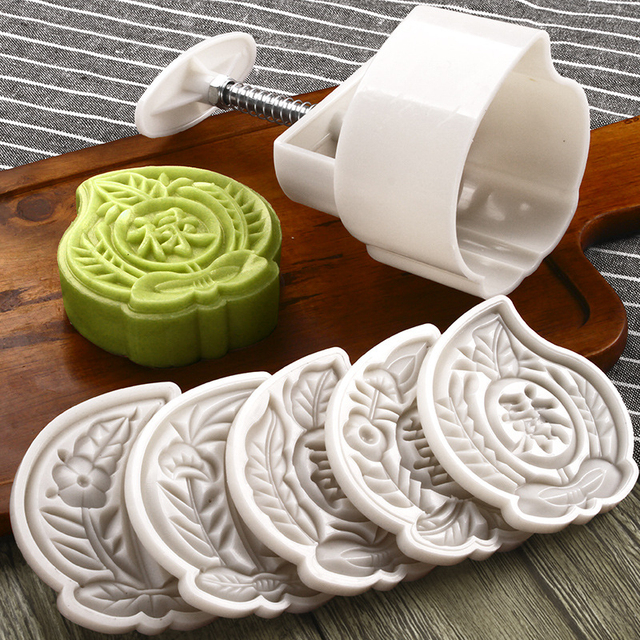 4782bc1fd 125 Grams Baking Pastry Tools Plastic Moon Cake Mold Chinese Traditional  Festival Hand Press Peach Shaped Mooncake Plunger Set
