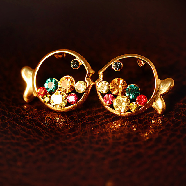 Lovely Hollow Fish Stud Earrings Gold Colorful Rhinestone Earring For Women  Cubic Zirconia Crystal Fashion Jewelry 400145b672c1