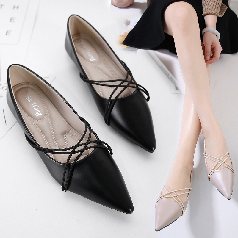 ФОТО Female flat shoes 2017 new point light mouth sweet joker black big yards professional flat shoes for women's shoes to work