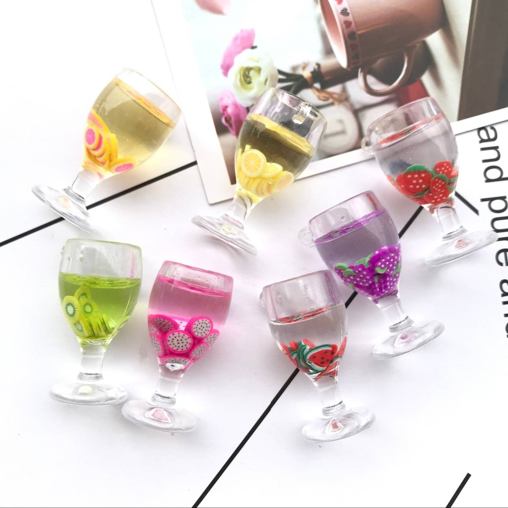 ZALEBABA 19*37mm 10pcs Kawaii plastic cocktail Charms for