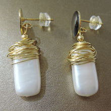 100% nature freshwater pearl earring with 925 silver hook -- AAA gold Pearl,20 mm big baroque pearl earring цена и фото