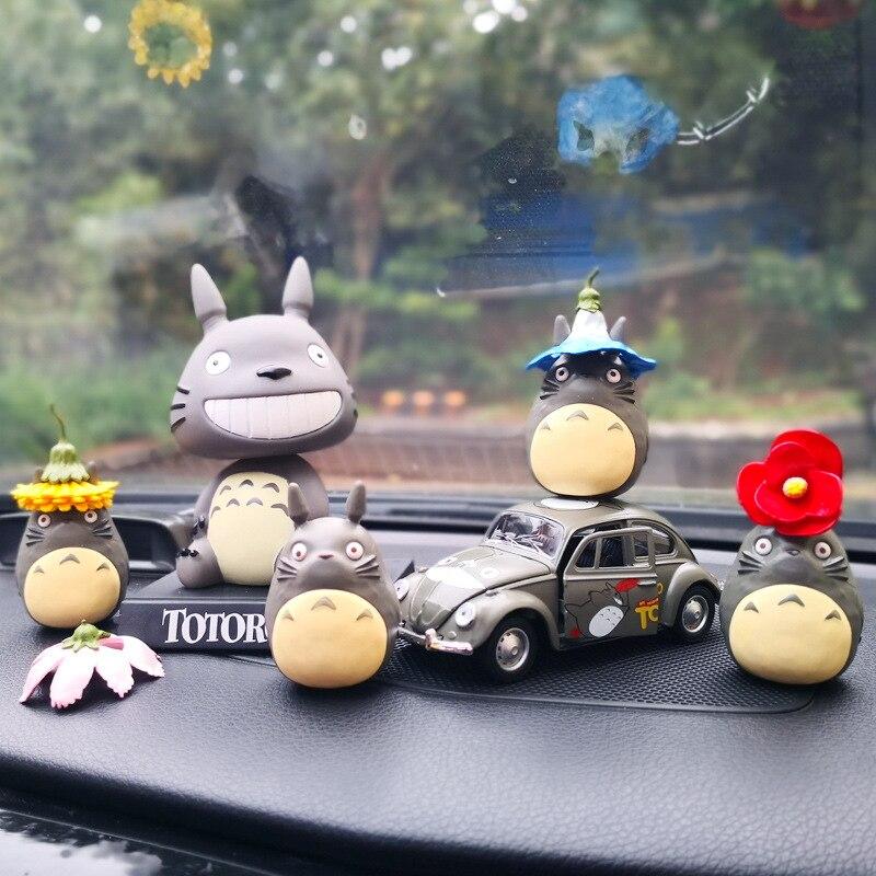 Freundschaftlich Cartoon Auto Innen Liefert, Kleine Fliegende Elefant, Puppe, Puppe. Dumbo
