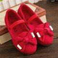 2017 Otoño Zapatos de Los Bebés Con Nudo de La Mariposa de La Manera Flock Slip en Muchachas de Los Zapatos de la Venda Elástico Del Bebé Primeros Caminante