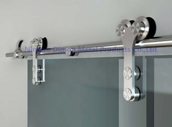 Envío Gratis Dimon caliente vender América estilo de acero inoxidable 304 de vidrio herrajes para puertas corredizas de Granero DM-SDG 7008 sin bar