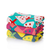 35*40CM Fashion Strawberry Cotton Face Towel Three Layers Gauze Square 3 Colors Thick Absorbent Fruit Pattern Hanging Hand