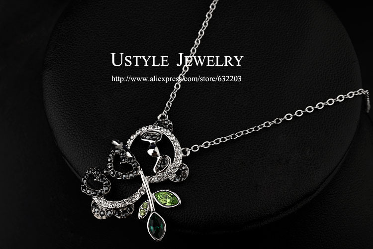 2014 Wholesale fashion italina brand Full crystal pendant Panda necklace Free Shipping