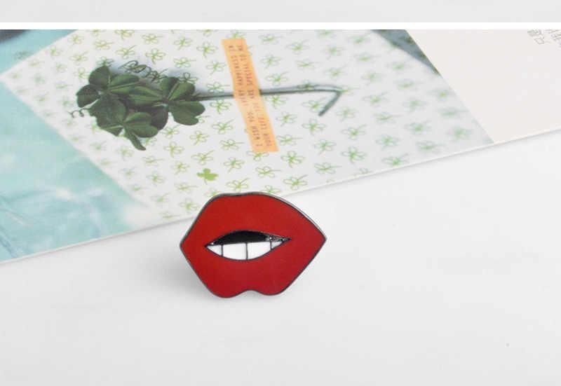 2017 Mode Kartun Bibir Merah Cola Minum OMG Logam Bros Pin Pin Tombol Jins Tas Dekorasi Hadiah Grosir