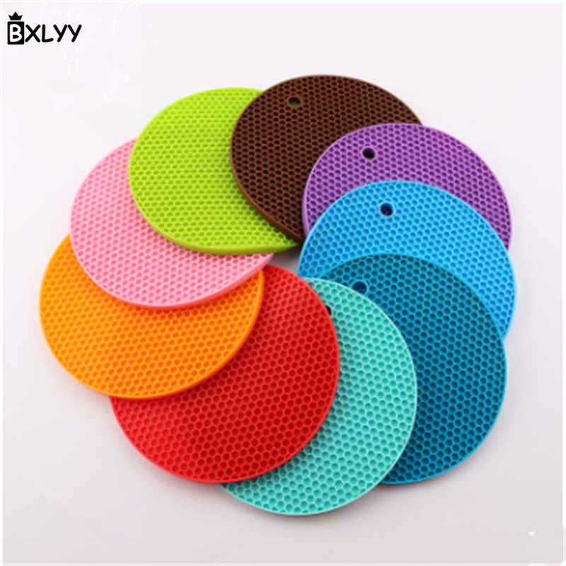 New Round Table Mats Skid Plate Placemat Insulation Pad 18*18CM Table Mat Bowl Coaster Kitchen Accessories Silicone Mat .8z