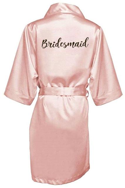 Image 3 - 新しい花嫁介添人ローブ白黒手紙母姉妹花嫁のウェディングギフトのバスローブ着物サテンローブ    グループ上の 下着