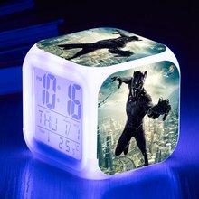 f66dd3c0bdf América Filme quente Pantera Negra LEVOU 7 Mudança de Cor Flash Despertadores  digitais Crianças Quarto Luz Da Noite do Relógio I..