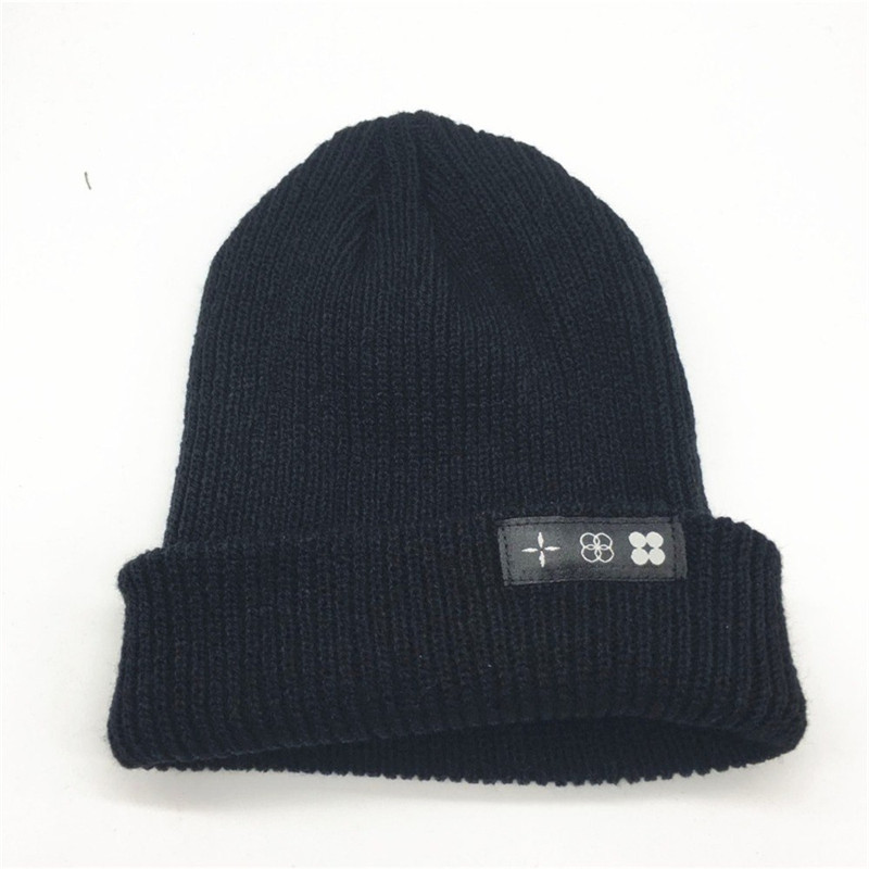 HOT SELLING  THE WINGS TOUR  Patch LOGO Fashion  Funny SKULL Stretch CAP  Cuff  Beanie HAT