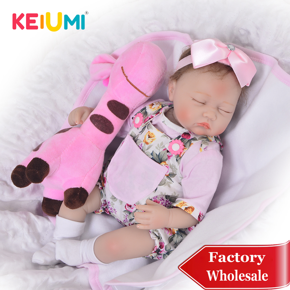 KEIUMI 17 Inch Close Eyes Reborn Boneca Lifelike Soft Silicone Newborn Menina Reborn Doll With Giraffe