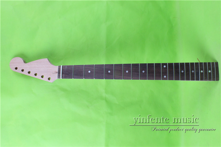 25.5    Electric guitar neck      mahogany made Bolt on rosewood     fingerboard fine quality  22  fret  0014# black color 24 frets holt on one electric guitar neck mahogany wood and rosewood fingerboard 171