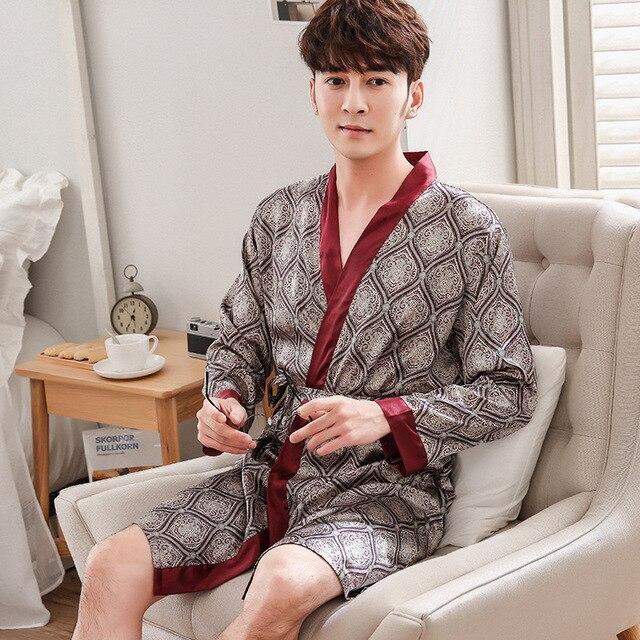 d6ea5dff68186 Китайский для мужчин пижамы атлас Ночной костюм из вискозы повседневное  мужской халат кимоно платье с цветочным