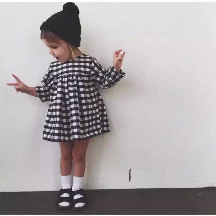 ac167ee29b Gorąca Sprzedaż Nowe Letnie Dziewczyny suknia balowa Sukienka Detaliczna  Dzieci Bawełna black and white plaid Sukienki Sukienka Z Długim Rękawem Dla  Dzieci ...