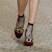 Туфли mary jane на высоком каблуке с золотыми коронными носками и ремешком с пряжкой Роскошные брендовые Свадебные вечерние туфли с металличес