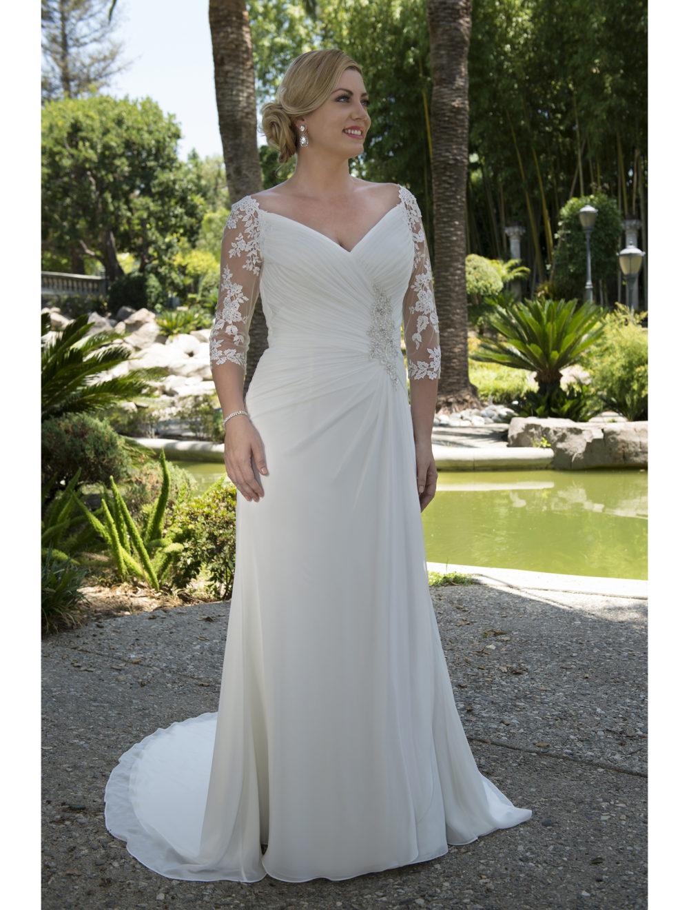 Plus Size Informal Modest Wedding Dresses 2017 Ruched Long A line Lace Chiffon Reception Bridal