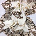 Pesado dorado bordes hechos a mano bufanda de seda 100% seda leopardo grandes de color beige bufandas de seda naturales