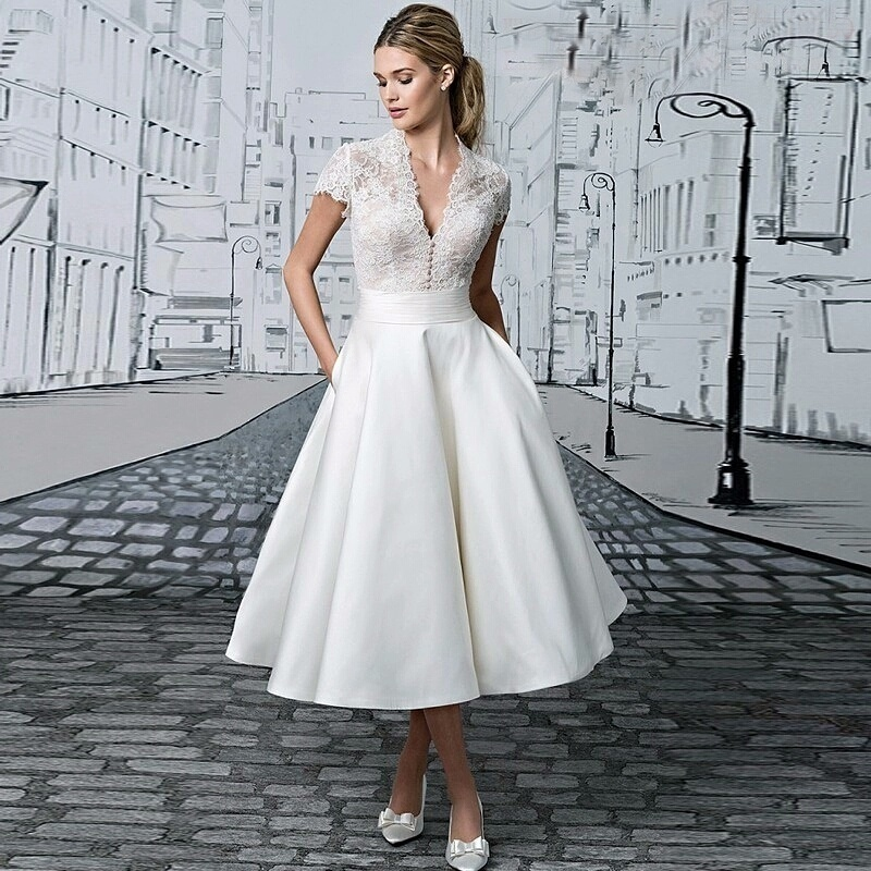 Vestido De Novia V Neck Short Wedding Dress Robe De Mariage Appliques Lace Tea-length Illusion Bridal Gown Vestidos Novia Cortos