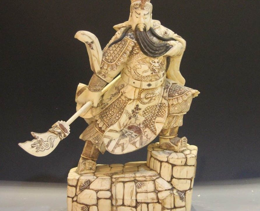 China Cattle Bone Handmade Carved Dragon Guan Gong Guan Yu Warrior Buddha StatueChina Cattle Bone Handmade Carved Dragon Guan Gong Guan Yu Warrior Buddha Statue