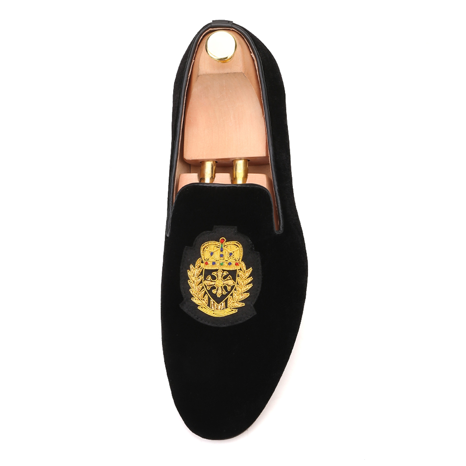 f362a31a70ef1 Piergitar 2019 new India handmade luxurious embroidery men velvet shoes Men  dress shoes Banquet and Prom male Plus size loafers -in Formal Shoes from  Shoes ...