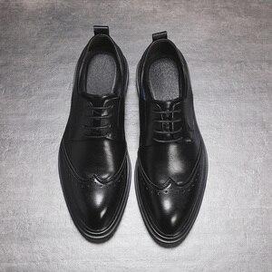 Image 5 - Hommes en cuir microfibre faits à la main Oxfords à lacets 2019 sculpté hommes daffaires chaussures formelles, hommes chaussures habillées