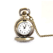 Classic Small Dimension Lotus Hole Quartz Pocket Watch Necklace for Ladies Males 88 LXH