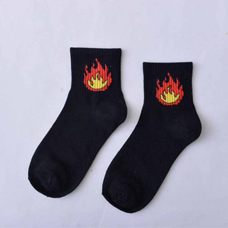 2019 New Harajuku Funny Trendy Unisex Students Cotton Socks Fire Flame Print Casual Daily Sock 1 Pair