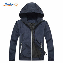 Covrlge Mens Jackets and Coats 2017 New Male Retro-reflective Jacket Fashion Hooded Mens Waterproof Windbreaker Men Coat MWJ060