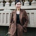 INU041 Outono Nova da Chegada 2016 clássico entalhado collar double breasted brasão formal casual mulheres longa blazer de lã café
