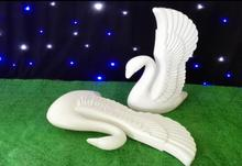 2PCSWedding ceremony Roman column wedding plastic swan background decorative pendant.