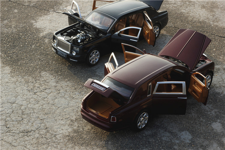 Rolls Royce Phantom Model Car with Sound and Lights 12