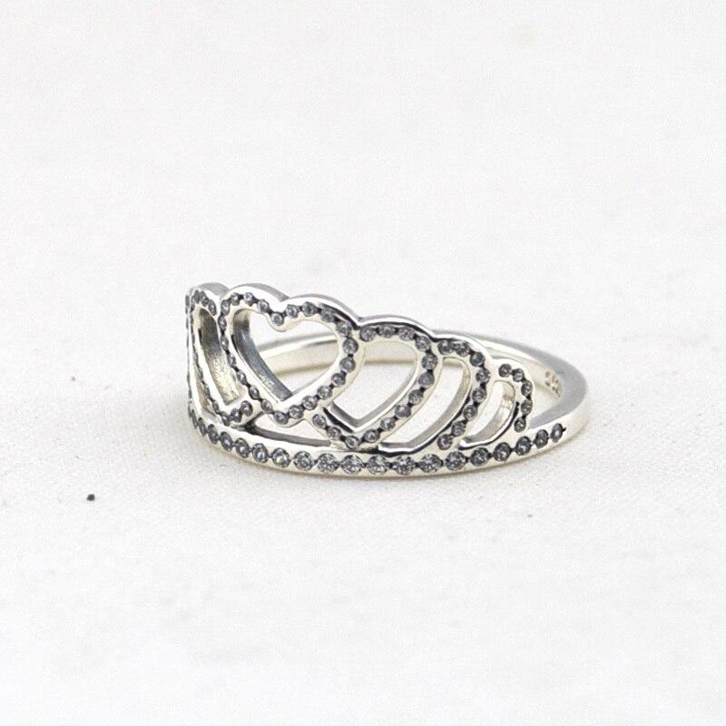 anillo tiara de corazones pandora
