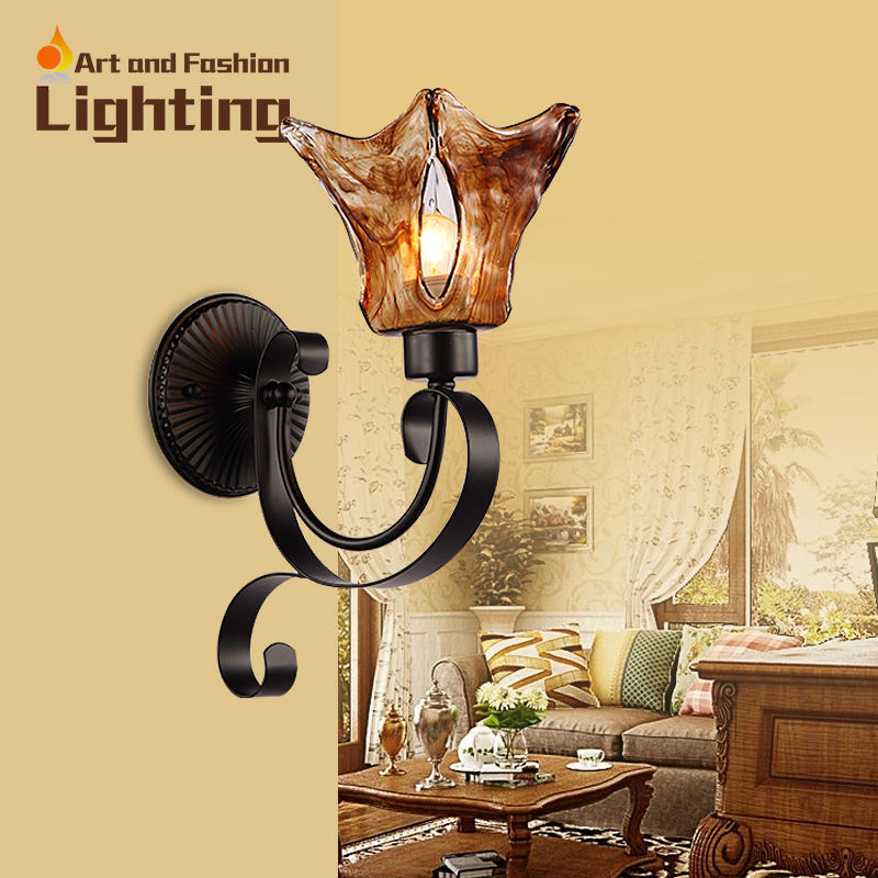 ФОТО European Stained Glass Wall Sconce Vintage Amber Light Wrought Iron Wall Lamp LED E27 Lights