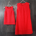 Marca roja de encaje plus de gran tamaño vestidos de la madre y la hija vestido de partido de las mujeres Sin Mangas vestido de tirantes de una sola pieza familia partido ropa